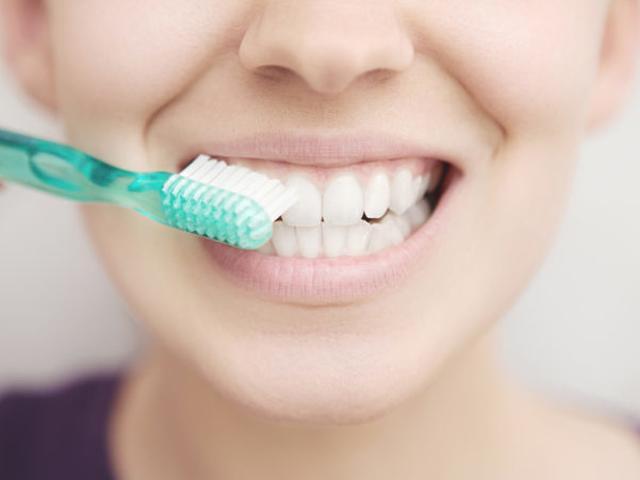 Nhiều người mắc ung thư miệng vì sai lầm ngớ ngẩn trong việc đánh răng
