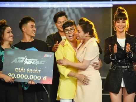 Chiến thắng gameshow, Long Nhật từ chối chia tiền cho Nhật Kim Anh vì đàn con ở nhà!