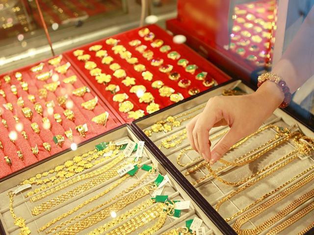 Giá vàng hôm nay 1/10/2018: Phiên đầu tuần, vàng giảm ngay như dự báo?