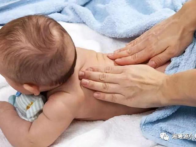 Bé 2 tháng tuổi bị tiêu chảy nhưng việc làm sai lầm của cha mẹ đã khiến em tử vong