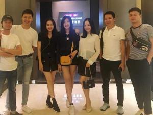 """Sao Việt 24h: Lan Phương """"trốn"""" con đi tụ tập với dàn sao Cả Một Đời Ân Oán đến khuya"""