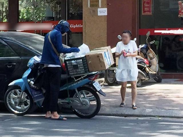 Lạ lùng chuyện cô gái trẻ chỉ nhận hàng online khi shipper phải là... chồng chị bán hàng
