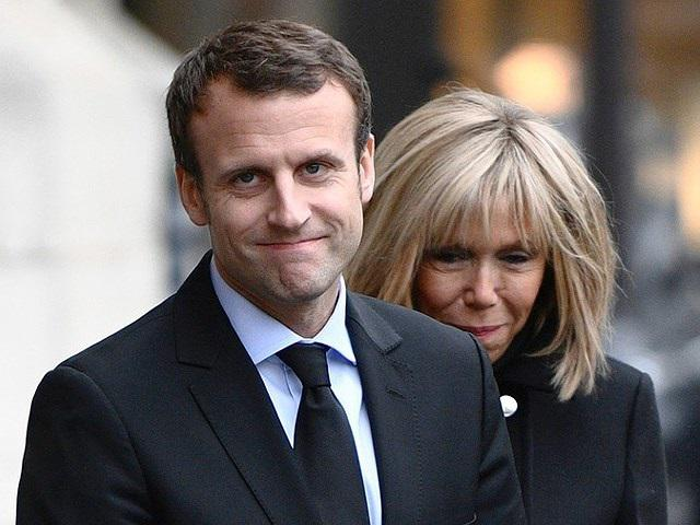 Chuyện tình đẹp nhất nước Pháp của cậu bé tuổi vị thành niên yêu cô giáo U40