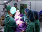 """4 lần  """" dao kéo """"  sinh nở liên tục, bà mẹ 8x Quảng Ninh nguy kịch tính mạng"""