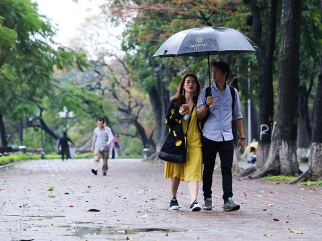 Chùm ảnh: Hà Nội đẹp lạ trong ngày gió lạnh đầu mùa tràn về