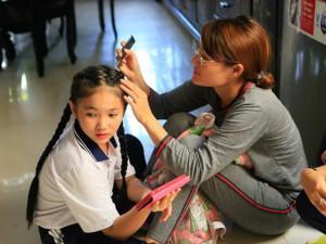 Mẹ của con gái nuôi cố NS Khánh Nam bươn chải kiếm sống, tiết lộ thêm về cha ruột bé