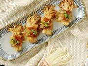 Bếp Eva - Ba chỉ heo cuộn nấm kim châm sốt dầu hào nóng hổi vừa ăn vừa thổi