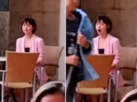 """Sốt bức ảnh Song Hye Kyo mệt mỏi, hồn nhiên """"ngáp"""" trên phim trường vì thiếu ngủ"""