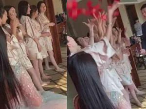 """Dàn phù dâu mặc áo choàng tắm mong manh """"gây sốt"""" mạng xã hội"""
