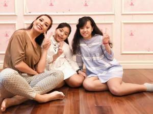 3 bà mẹ đẻ liền 2 con gái, chồng càng yêu càng chiều, gia đình hạnh phúc ngập tràn