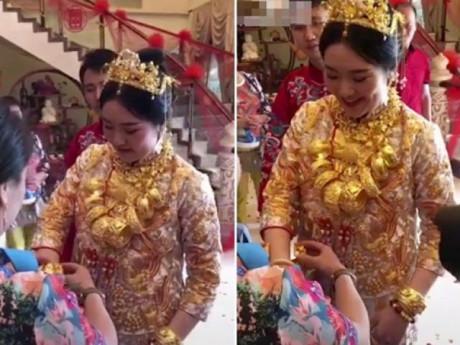 Cô dâu trĩu cổ cả yến vàng trong ngày cưới gây xôn xao cộng đồng mạng