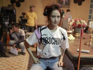 """""""Choáng váng"""" với giá của những trang phục mà Ngân Khánh dùng đóng phim Quý Cô Thừa Kế"""