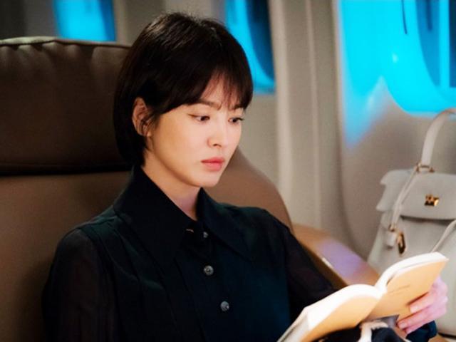 Trở lại sau kết hôn, Song Hye Kyo sang chảnh và quyền lực hẹn hò cùng phi công trẻ