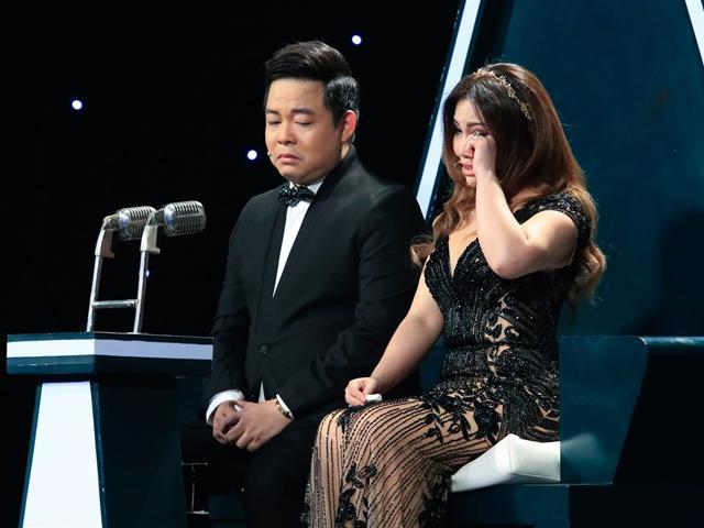 Đích thị là cặp HLV mít ướt, Minh Tuyết - Quang Lê mếu máo khóc trong đêm Chung kết