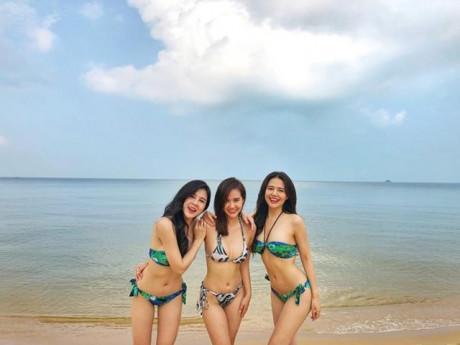 3 hot girl đời đầu đất Hà thành khoe thân hình nóng bỏng cùng bikini