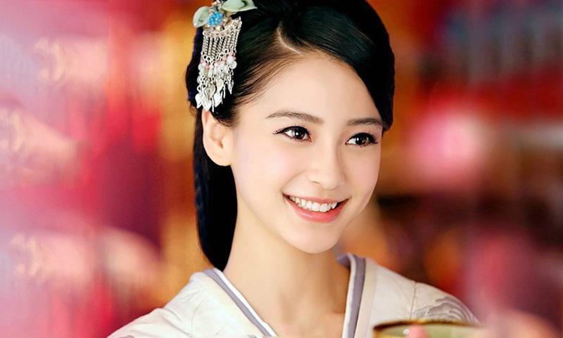 """Trong chúng ta, chắc hẳn không ít chị em là """"fan cứng"""" của các bộ phim cổ trang. Những ly kỳ về cuộc sống chốn hoàng cung, vẻ đẹp của các mỹ nhân Trung Hoa là điều luôn khiến chúng ta bị lôi cuốn."""