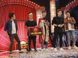 Choáng: Hai thí sinh hôn nhau chiếm ngay giải thưởng trăm triệu tại Thách thức danh hài tập 1