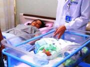 """Mang khối u 5,3kg, mẹ Phú Yên  """" nghẹt thở """"  sinh con nặng 3,2kg như kỳ tích"""
