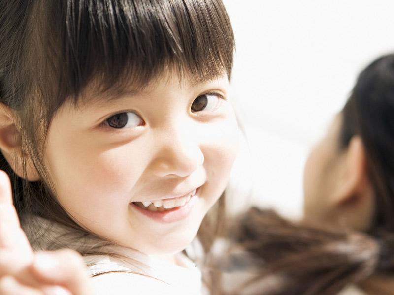 1. Giờ Sửu (1 giờ - 3 giờ sáng): đứa trẻ sinh vào khung giờ này thường rất thông minh, tài giỏi, thấu hiểu được cảm xúc của người khác.