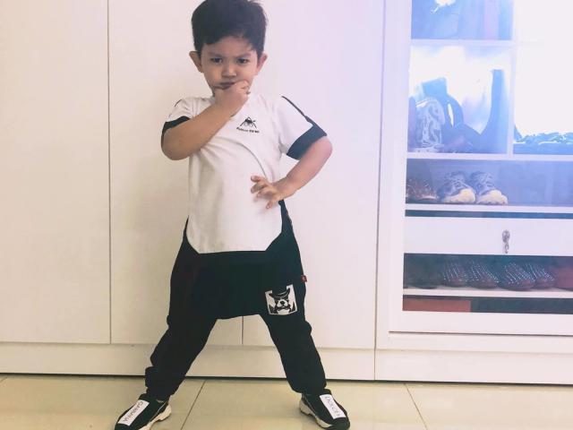 Mới 3 tuổi, con trai Khánh Thi nhảy cực dẻo được dân mạng khen ngợi con nhà nòi