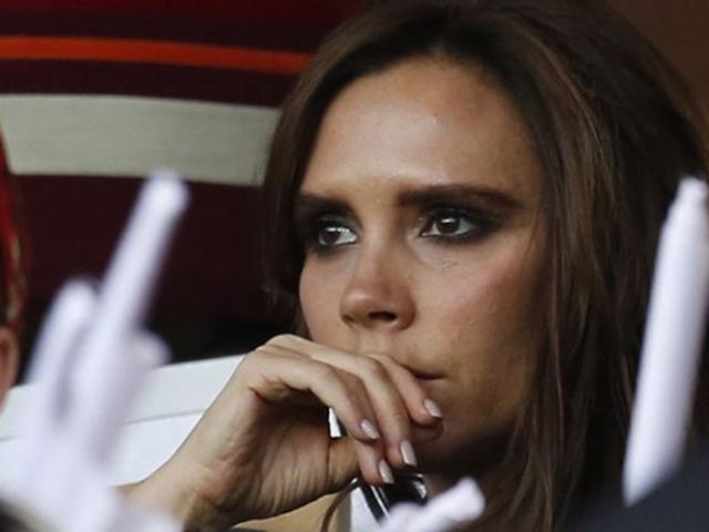 Victoria khóc suốt 2 ngày sau khi Beckham tiết lộ cuộc hôn nhân của họ giờ gặp khó khăn