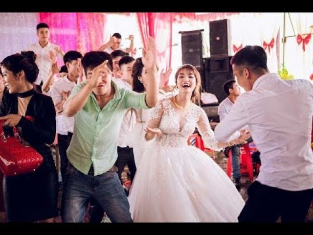 Loạt video cô dâu hóa cơ trưởng nhảy đáng yêu trong đám cưới khiến dân mạng xuýt xoa