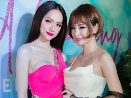 """Angela Phương Trinh và Hoa hậu Hương Giang đọ dáng """"bất phân thắng bại"""""""