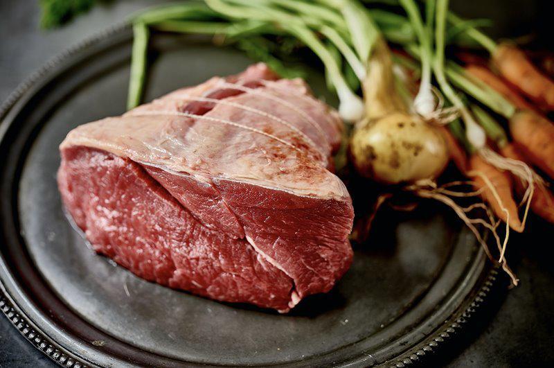 Thịt bò là thực phẩm quen thuộc và bổ dưỡng nhưng không phải món ăn nào cũng có thể kết hợp, nấu/ăn chung với thịt bò.