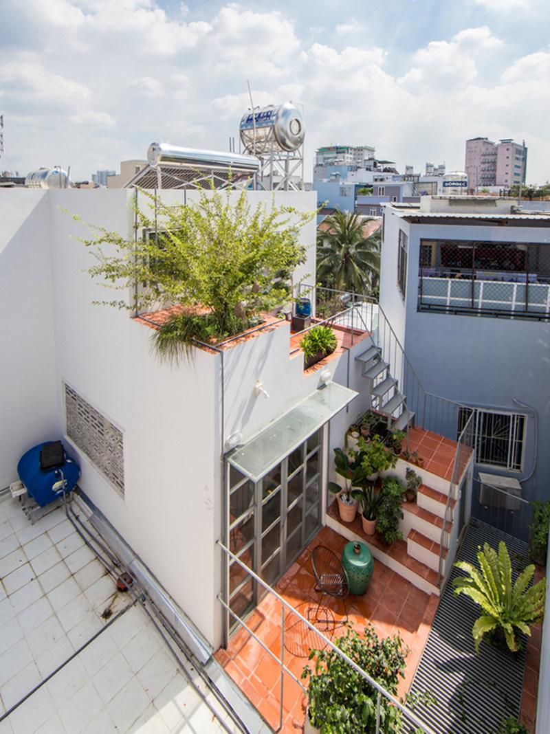Căn nhà được xây dựng trên một mảnh đất đặc biệt tại khu vực trung tâm thành phố Hồ Chí Minh.