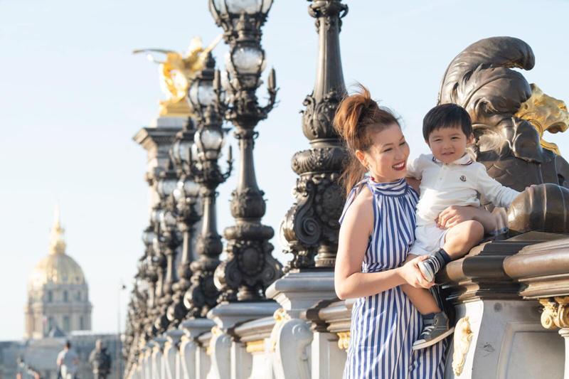 Cô cũng thường xuyên đi du lịch cùng con trai để cậu bé được trải nghiệm, khám phá nhiều hơn.