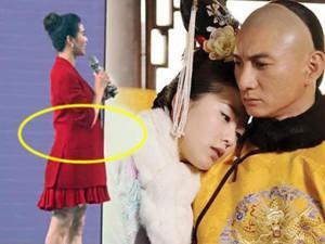 """Ngôi sao 24/7: Chờ bao lâu cuối cùng """"Ái phi"""" của Hoàng Thượng cũng lộ bụng bầu lớn tướng"""
