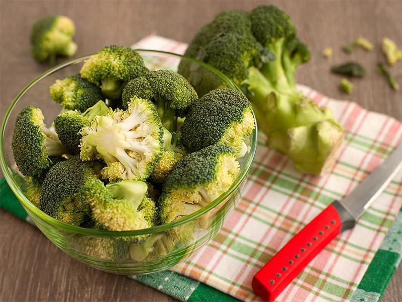 Nguồn folate tuyệt vời trong bông cải xanh khiến loại rau này trở thành một trong những thực phẩm tốt nhất cho sự phát triển của thai nhi để phòng ngừa dị tật bẩm sinh.