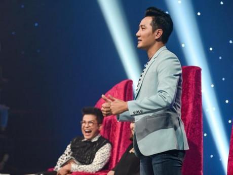 Trai đẹp độc thân Nguyễn Phi Hùng tái xuất, cười té ghế vì con gái nuôi Hứa Minh Đạt