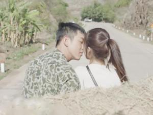 Nụ hôn trên xe rơm của Hậu Duệ Mặt Trời Việt: Nhẹ nhàng nhưng hơi thiếu lửa