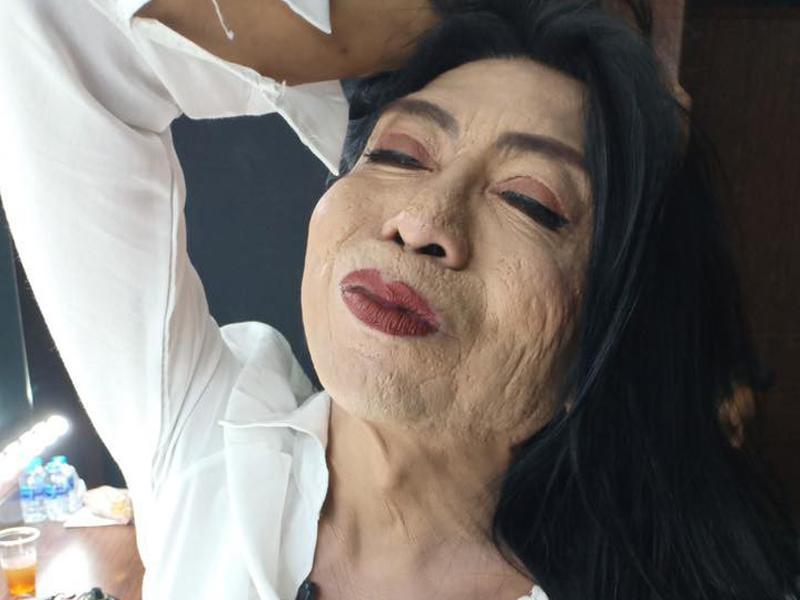 """Sitang Buathong là """"hot girlchuyển giới"""" Thái Lan nổi tiếng với khuôn mặt rỗ và vóc dáng thô cứng."""