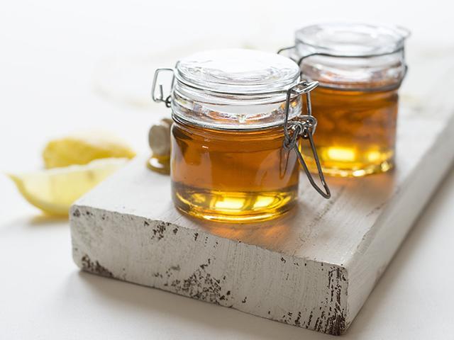 Không chỉ chữa viêm họng, mật ong còn có hàng tá bài thuốc cực hay giúp trị bệnh