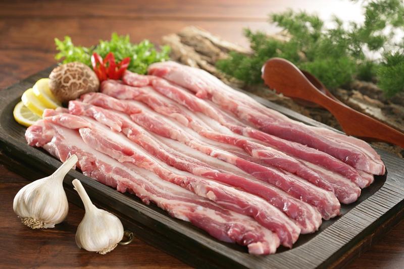 Nhiều người thường cho rằng ba chỉ là phần thịt ngon nhất của lợn vì ba chỉ mềm, thơm, có nạc, mỡ xen kẽ 3 lớp. Tuy nhiên, thực tế, ngoài thịt ba chỉ, lợn còn 6 phần thịt ngon nhất mà ít người để ý.