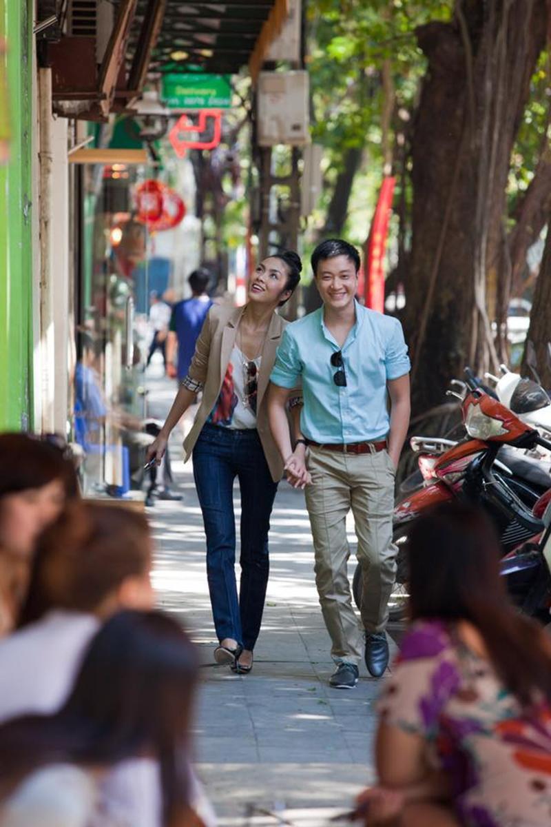 """Trong tuần qua, Tăng Thanh Hà, Lương Mạnh Hải và đạo diễn Vũ Ngọc Đãng cùng đồng loạt chia sẻ bộ ảnh 8 năm trước """"ngọc nữ"""" chụp cùng Lương Mạnh Hải."""