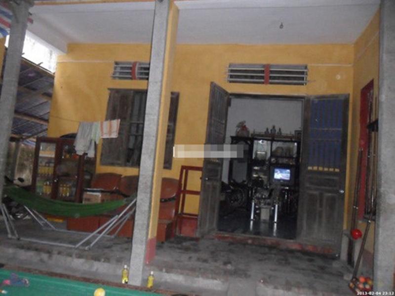 2. Vũ Khắc Tiệp  Gia đình ông bầu nổi tiếng Vũ Khắc Tiệp ở Nam Định sống trong căn nhà khá cũ kỹ và giản dị, với ba gian nhà lợp mái ngói và một nhà ngang làm bếp, công trình phụ…
