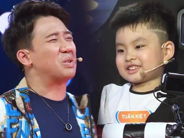 Quá thông minh, cậu bé siêu chất 5 tuổi khiến Trấn Thành cãi không lại