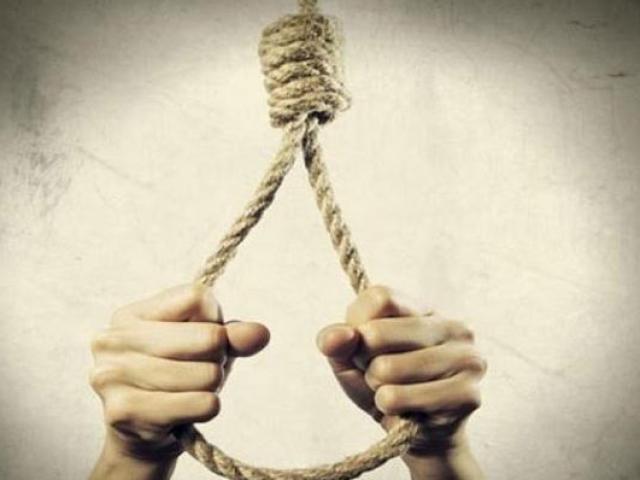 Chồng chết lặng phát hiện vợ và con 18 tháng tử vong trong tư thế treo cổ