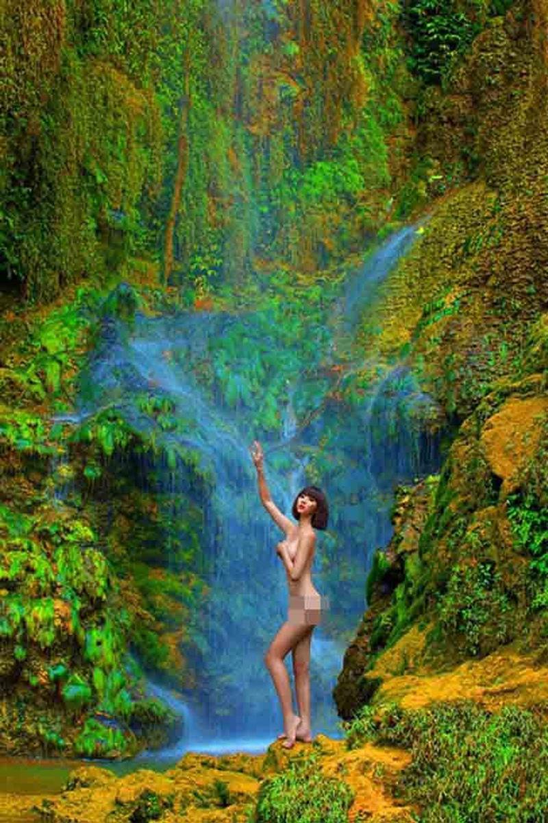 """Trong số những bộ ảnh nude của sao Việt từng gặp ý kiến trái chiều nhiều nhất chính là bộ ảnh """"nude vì môi trường"""" của Ngọc Quyên."""
