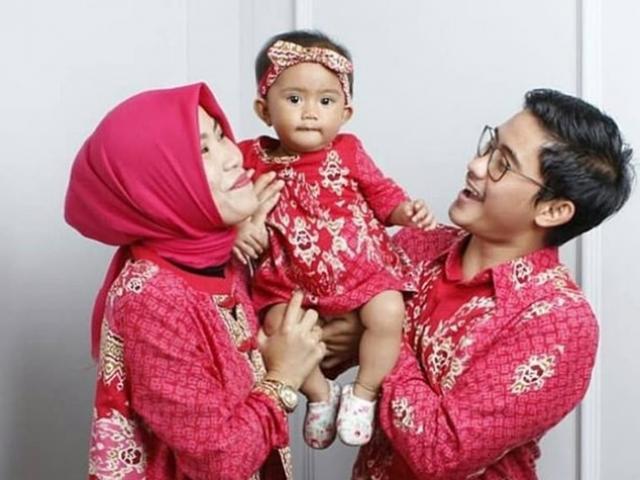 Xót xa bé gái 15 tháng tuổi chết thảm cùng cha mẹ trong tai nạn rơi máy bay ở Indonesia