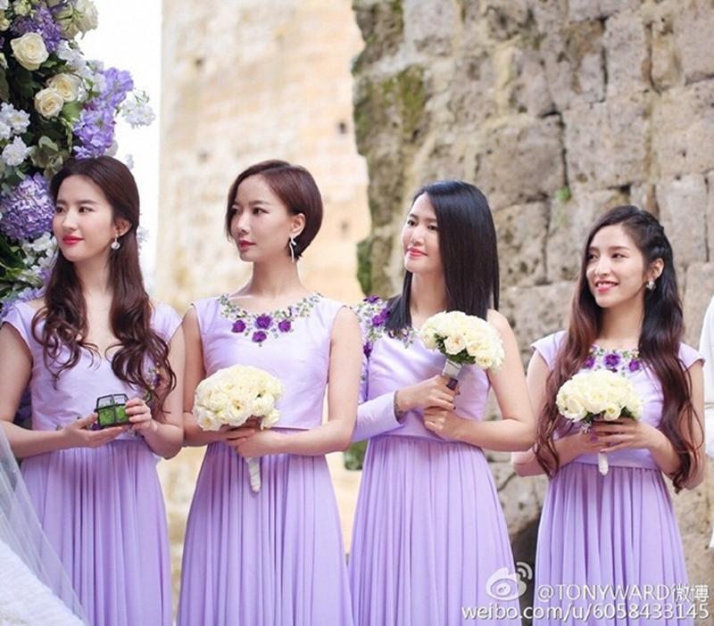 Phù dâu Lưu Diệc Phi chiếm trọn 'spotlight' (tỏa sáng) khi đứng cạnh các người đẹp khác.