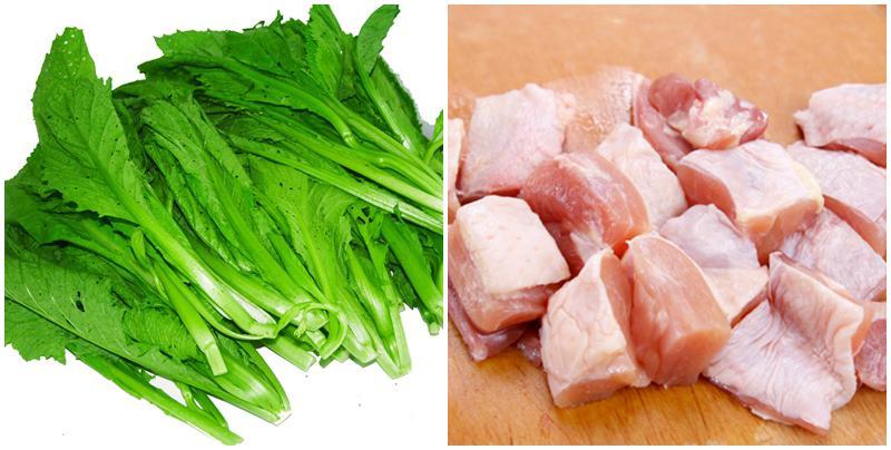 Theo Đông y, thịt gà vốn có vị ngọt, ấm mà rau cải lại có tính hàn nên khi phối hợp với nhau cơ thể sẽ tương khắc lẫn nhau, gây ra bệnh lỵ, tổn thương khí huyết của trẻ.