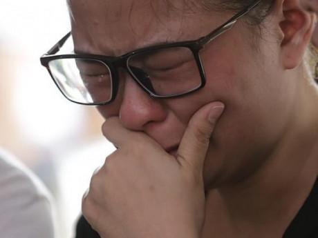 Nước mắt cay đắng của người nhà nạn nhân trong vụ máy bay chở 189 hành khách rơi xuống biển