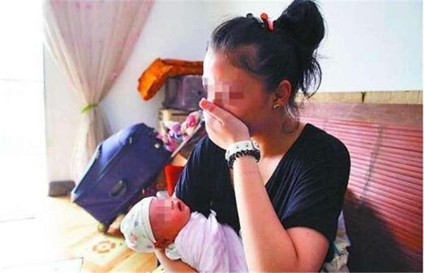 Từng phá thai 6 lần, đến lần thứ 7 mẹ trẻ sinh con nhưng gia đình không ai dám bế - 3
