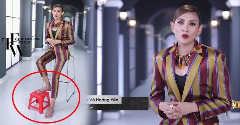 Võ Hoàng Yến lên hình rất lung linh và quyền lực, nhưng ít ai biết rằng trong lúc cô đang nói chuyện thì chân đang diện dép kẹp và gát chân lên ghế. Đây là cách thư giãn chân để tránh tình trạng đau cột sống tái phát vì diện giày cao gót quá nhiều.