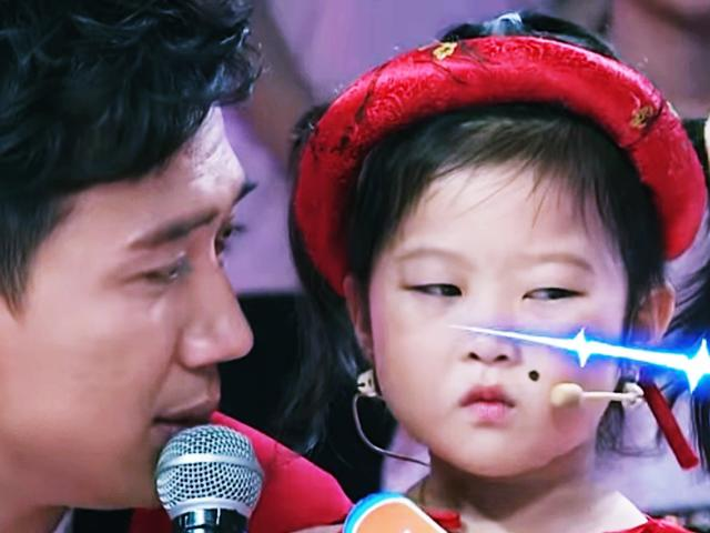 Phát sốt với bé 4 tuổi có gương mặt hờn cả thế giới ghi kỷ lục Nhanh như chớp nhí