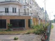 Hoang tàn, lạnh lẽo đến rợn người trong khu đô thị tại thủ đô Hà Nội